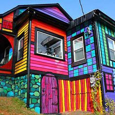 Brooklyn, NY The unique Rainbow House is the work of Kat O'Sullivan. Her extravagant almost psychedelic color combinations are beyond what we could imagine. This mind-blowing home in Brooklyn New York is worth exploring. The interior decoration is even more unique than the exterior.