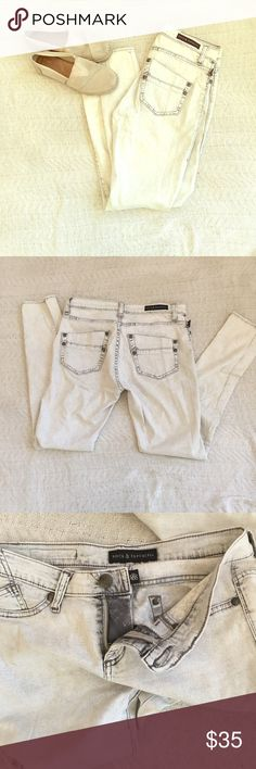Rock & Republic White Jeans in great condition!.. size 8M Rock & Republic Jeans Skinny