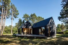 Home Interior Farmhouse .Home Interior Farmhouse Modern Tiny House, Modern Barn, Wood Architecture, Architecture Details, Small Summer House, Small Villa, House Extensions, Little Houses, Building A House