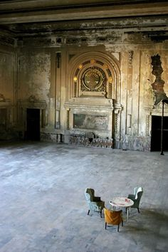 There is something so wonderful about rooms this big, no matter how much they may have fallen into dis-use.