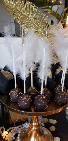 Great Gatsby Party Decorations, Great Gatsby Themed Party, The Great Gatsby, Mascarade Party Decorations, Great Gatsby Cake, Birthday Decorations, Roaring 20s Birthday Party, Roaring Twenties Party, 20th Birthday