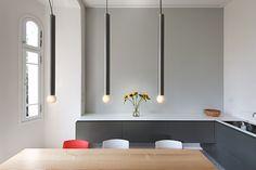 Luminoso apartamento en tonos neutros, diseñado por Chiara Ferrari. Fotografía: Avital Palaci Peleg / Lior Avitan