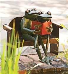 Handmade Recycled Metal Frog Couple Garden Art. Ahhh