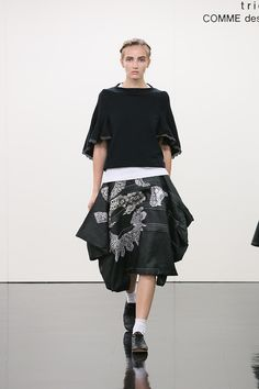 An Escape to a Summer Resort by tricot COMME des GARCONS (2015 SS)
