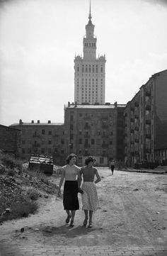 POLAND. Warsaw. 1956 // Lessing. Magnum Photos Warsaw Pact, Warsaw Poland, Vintage Photographs, Vintage Photos, Great Photos, Old Photos, Poland Cities, Visit Poland, Poland Travel