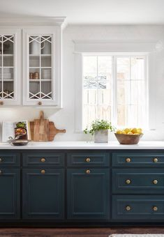 Uplifting Kitchen Remodeling Choosing Your New Kitchen Cabinets Ideas. Delightful Kitchen Remodeling Choosing Your New Kitchen Cabinets Ideas. Dark Blue Kitchen Cabinets, Dark Blue Kitchens, Bright Kitchens, Upper Cabinets, Cool Kitchens, White Cabinets, Kitchen White, Country Kitchen, Colored Cabinets