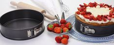 Chocolate Fondue, Desserts, Food, Easy Meals, Food Food, Tailgate Desserts, Deserts, Eten, Postres