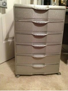 Paint plastic drawers to look nicer-Plastic 6 drawer bin from Walmart. Spray paint , glitter and crystal stickers! Great for makeup storage Makeup Storage Drawers, Storage Bins, Craft Storage, Storage Cart, Storage Ideas, Diy Drawers, Vanity Drawers, Makeup Drawer, Glitter Makeup Storage