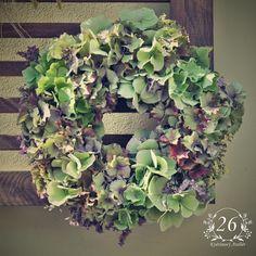 fotogalerie – Květinový Ateliér 26 Floral Wreath, Wreaths, Flowers, Home Decor, Atelier, Floral Crown, Decoration Home, Door Wreaths, Room Decor