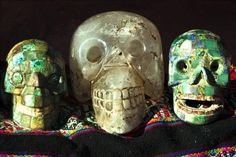 According to an ancient Mayan legend, when mankind is at the brink of destroying himself and his planet, 13 crystal skulls will come together with the purpose of giving humanity an ancient message that will prevent him from totally annihilating himself. Unexplained Mysteries, Ancient Mysteries, Ancient Artifacts, Ancient Aliens, Ancient History, Mysteries Of The World, Mystery Of History, Inca, Crystal Skull