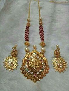Heavy Lakshmi Haram with Red beads Indian Wedding Jewelry, Indian Jewelry, Bridal Jewelry, Beaded Jewelry, Gold Necklace Simple, Gold Jewelry Simple, Stylish Jewelry, Gold Earrings Designs, Gold Jewellery Design
