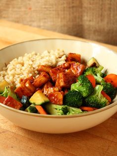 Teriyaki Peanut Tofu with Stir-Fried Veggies & Brown Rice » I LOVE VEGAN