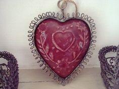 Suspension coeur rétro, fil de fer intérieur façon faience ancienne, déco coeur