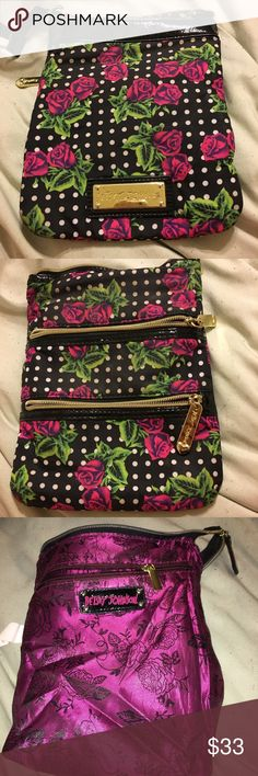 Crossover Betsey Johnson rose and polkadot purse #betseyjohnson #crossoverpurse WITHOUT strap. Good condition, beautiful inside. #roses #pink #polkadots will accept offers. 💋🖤 Betsey Johnson Bags