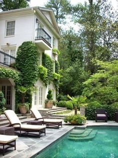 I could live here :) Classic, Green, and Gorgeous
