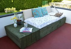 16 Pallet Daybed: Hot And New Trend