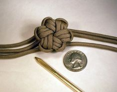 devilchasnme: Tying the paracord star knot Part 1