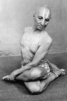 Yoga with T. Krishnamacharya. #vintageyoga #yogahistory #yogalife #yoga #om