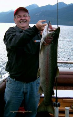 36 in 20 lb 3 oz Rainbow trout fishing Kootany Lake BC