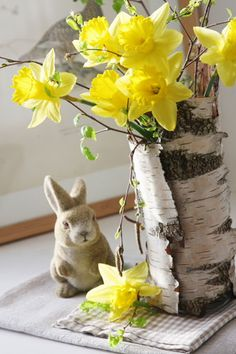 PETER COTTONTAIL~ Spring decor.
