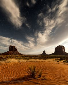 monument valley. navajo land. arizona. by tannerwendell. Please Like http://fb.me/go4photos and Follow @go4fotos Thank You. :-)