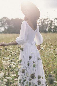The bellflower dress in blanc ~ (pre order) — Kara Thoms White Linen Dresses, Elegant Dresses, White Dress, New Foto, Style Photoshoot, Moda Boho, How To Pose, Looks Vintage, Forever Young