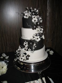"Cili was chose in The Knot's ""Best of Weddings"". We also do wedding cakes! For reservations, call  (702) 856-1000 or visit cili.com."