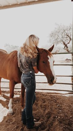 Cowgirl Style Outfits, Western Outfits Women, Country Style Outfits, Rodeo Outfits, Southern Outfits, Cute Horses, Horse Love, Beautiful Horses, Foto Cowgirl