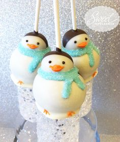 penguin cake pops... because I love penquins and you know how to make cake pops !!! lol :)
