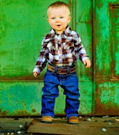 Oh My Gosh... This Little Boy Is SOOO Freaking CUUUUTE!!!!! :3  # Country Baby # Cowboy # Country Boy # Cutie # Adorable # Photography Ideas