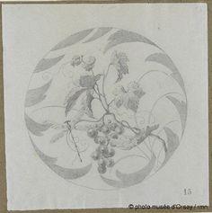 Emile Gallé Modèle de décor : sarment de vigne avec grappe de raisins, libellule en vol et bordure en 1881 crayon sur papier bleu H. 0.309 ; L. 0.307 musée d'Orsay, Paris, France