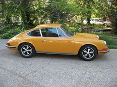 1969 Porsche 911S in Bahama Yellow