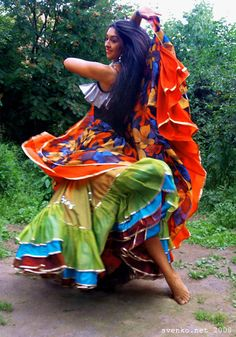 Dancing barefooted Gypsy girl, Patrina Sharkozi