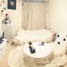 狭い部屋/1K/ホワイト&ナチュラル/白/花のある暮らし/一人暮らし…などのインテリア実例 - 2016-02-06 13:16:43 | RoomClip(ルームクリップ) Room Ideas Bedroom, Bedroom Decor, Japan Room, Japanese Bedroom, Small Apartment Interior, Small Room Decor, Minimalist Room, Aesthetic Rooms, Home Office Design