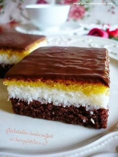 İdeen Easy Cake Gabriella& adventure in the kitchen :): Coconut cookie, Sweet Recipes, Cake Recipes, Dessert Recipes, Ital Food, Salty Snacks, Coconut Cookies, Hungarian Recipes, Creative Cakes, Cakes And More