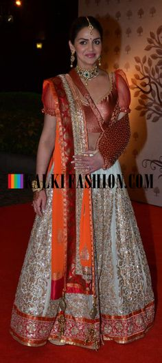 http://www.kalkifashion.com/ Esha Deol in cream lehenga by Shyamal Bhumika at Ahana's wedding