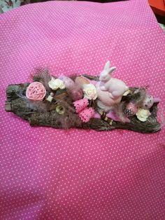 Osterdeko - Rosa Hasi - ein Designerstück von TinaKreativ bei DaWanda Designer, Party, Brooch, Jewelry, Pink, Easter Activities, Jewlery, Jewerly, Brooches