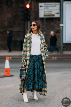 Fall Street Style Outfits to Inspire- Fall street style fashion / Fashion week Fashion Blogger Style, Fashion Mode, Look Fashion, Trendy Fashion, Autumn Fashion, Womens Fashion, Fashion Trends, Fashion Lookbook, Chloe Fashion