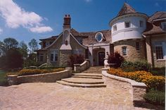 Traditional Exterior Photos French Country Design, Pictures, Remodel, Decor and Ideas - page 35