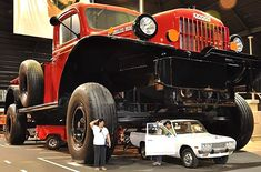 The world's largest truck; a replica of a classic Dodge Power Wagon, about eight times the original Power Wagon size Dodge Power Wagon, Dodge Wagon, Cool Trucks, Big Trucks, Cool Cars, Small Trucks, Weird Cars, Mercedes 500, Funny Car Memes