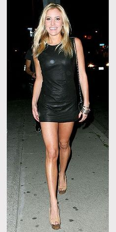 KRISTIN CAVALLARI Showcasing her toned arms and legs in a black micro-mini dress, the reality star heats up L.'s streets. Great Legs, Beautiful Legs, Classy Women, Sexy Women, Kristin Cavallari, Gorgeous Blonde, Sexy Dresses, Short Dresses, Beautiful Actresses