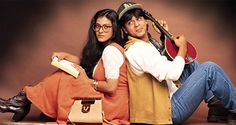 #Kajol wore these big rimmed #spectacles in the blockbuster #DDLJ. It surely made her look #nerdy enough, right? ;) #Throwback to the #EyewearFashion of the #1990s.