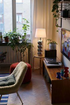 min present till mig själv (sara edström) Home Interior Design, Interior Architecture, Apartment Living, Home And Living, Interior Inspiration, Living Spaces, Room Decor, House Design, Decoration