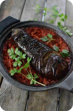 Un petit plat sans chichi et qui plaît ! Une aubergine et de la sauce tomate et on peut gâter la galerie avec cette recette qu'on peut servir comme un plat végétarien ou comme un accompagnement. Pour 4 personnes Préparation : 20 min Cuisson : 50 min Ingrédients...