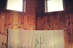 Drewno / Wystrój / Pokój / Światło / Obraz na ścianie / Dywan / Room / Wood / Wooden room / Scandinavia
