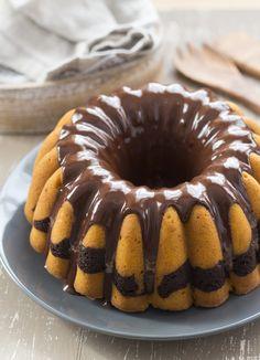 Hola!!! Lo prometido es deuda y aquí os traigo la receta de este delicioso bundt cake perfecto para estas fechas de Halloween, aprovechando las maravillosas calabazas que están ahora de temporada. Ya