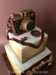 Camera Cake Inspiration - Cake It To The Max Cupcakes, Cupcake Cakes, Gorgeous Cakes, Amazing Cakes, Camera Cakes, Fantasy Cake, Square Cakes, Just Cakes, Specialty Cakes
