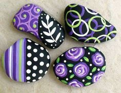 Rock painting designs magnets hand painted abstract purple black and white art river rock stone pebble . Pebble Painting, Dot Painting, Pebble Art, Stone Painting, Painting Flowers, Pebble Mosaic, Rock Painting Ideas Easy, Rock Painting Designs, Paint Designs