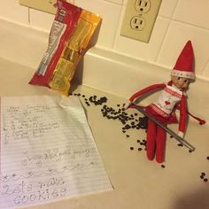 With these creative ideas for your own Elf On The Shelf, it is guaranteed that you will make your kids' Christmas as jolly and as merry as you can. Family Christmas, Christmas Holidays, Shelf Inspiration, Holiday Fun, Holiday Decor, Face Light, How To Make Cookies, Christmas Traditions, Elf On The Shelf