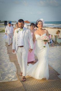 #birdcageveil #mermaidlaceweddingdress #beachwedding #groomsuit #greenbowtie